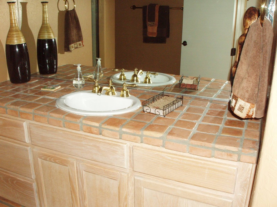 tile-bathroom-counter2